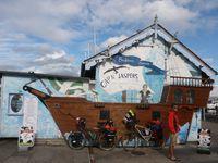 les pubs de Bacaran Port