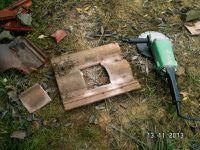 Préparation de la tuile redland pour la sortie de la cheminée