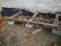 Construction d'un abri avec de la récupération