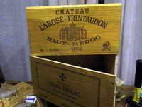 Petits meubles fabriqués à partir de 6 caisses à vin
