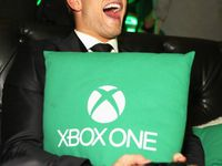 Kellan Lutz au Xbox One Launch