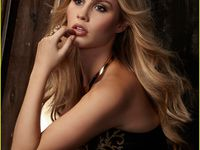 Claire Holt pour Glamoholic