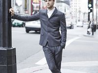 Nate Buzolic pour Olivier Grand