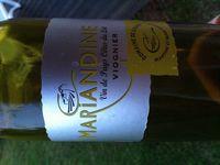 Domaine des Causes (été 2014). Vrai coup de coeur pour le vin blanc, subtil, complexe, vraiment un très joli vin qui a plu à tous (ce n'est pas souvent en même temps qu'on boit un vin blanc à 11€ la bouteille &#x3B; ça a du sens !). Et à part être très bon aussi, le Cahors, à la robe très noire a aussi une très très belle étiquette très élégante, qui ne trompe pas sur la marchandise !
