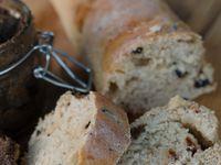Pain aux olives et tomates séchées &amp&#x3B; tapenade