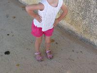 Débardeur Zara, short Zara, sandales Vert baudet