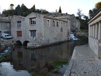 La rivière Tourne est à l'origine de la riche activité industrielle développée à Bourg-Saint-Andéol : il entraînait des moulins à blé, à huile, à fouler le drap et la laine pour les assouplir ou les dégraisser. Il alimentait également des tanneries, une teinturerie, une cascade et un lavoir