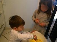 Préparation du gateau d'anniversaire, un herisson au chocolat