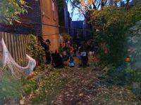 Fête des voisins, Halloween, corvées saisonnières... les occasions ne manquent pas pour se retrouver dans la bonne humeur.