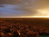 Splendide coucher de soleil orageux sur le volcan Brukkarros