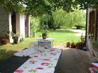 coussins, nappes, chemin de table, rideaux....