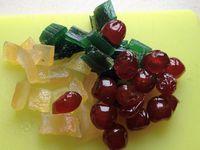 enfin de vrais fruits confits!!!!!! http://www.plaisirs-de-fruits.com/fruits-confis.html