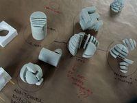 """Manipulations volumiques au sein de l'atelier """"not uniform 3d""""."""