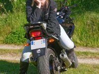 Fanny, la femme à la moto...