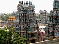 le temple avec 2 photos de vue aérienne