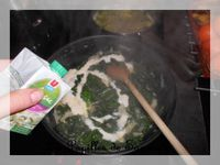Epinards frais à l'oignon