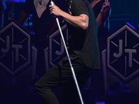 Photos: Justin rencontre des fans!