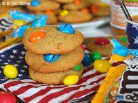 """5. """"Birthday"""" Cupcakes au Toblerone / 6. Financiers aux Amandes & Chocolat Milka / 7. Cookies au Beurre de Cacahuètes et M&M's"""