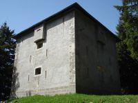 Le Fort du Mont et les blockhauss du Laitelet et des Têtes. Dans ce dernier, quelques tags.