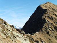 Le lac Noir, le petit lac Piéru et l'arête qui amène au sommet du Grand Arc.