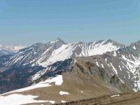 Le sentier d'accès au sommet et à droite la pte de Banc plat. Toujours depuis la crête, le Trélod et la Sambuy.