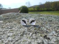 boucles d'oreilles clous en verre avec embouts poussoirs en silicone, différents modèles, 2.10€ la paire