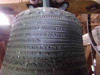 Vue générale de la cloche et ses décors.