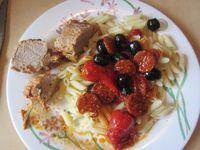 les weekend, les plats sont plus cuisinés, marinés, ils sont endimanchés quoi ! : blanc de poulet à la portugaise, blanquette de poulet, filet mignon au chorizo