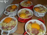 Œufs cocotte et spaghetti courts aux gésiers