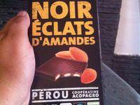 Charlotte au chocolat noir  aux éclats amandes crème chantilly à l'extrait de vanille et Maltesers .