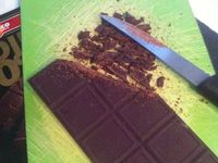 Muffins aux pépites de chocolat noir 90 % équitable .