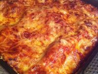 Lasagnes maison à la Napolitaine et au parmesan Italien .