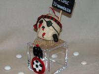 Pot à dragée avec ballon de football et sigle ogc de Nice en porcelaine froide