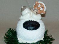 Boule de Noël avec bébé personnalisable en porcelaine froide