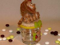 pot à dragée avec p'tit lion en porcelaine froide