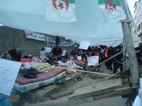 La gréve et le sit-in de PES vacataires se poursuit(Reportage en photos)