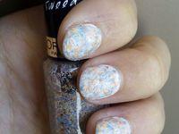 Nail art blanc avec glitter l'oréal et vivo cosmetic