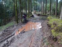 bon il avait un peu plu les jours précédents, donc qqs photos de boue, juste pour le fun ..