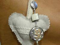 bijoux de sac , petits coeurs tissus fait main !
