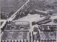 le camp de Dachau vu du ciel et maquette de celui-ci