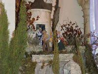 St Saturnin les Avignon, Crèche blanche