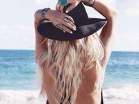 Comment s'attacher les cheveux quand il fait chaud?