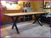 """Tables avec plateaux bois sur piètement acier en """" X """" - 2 modèles en exemple ci dessus."""
