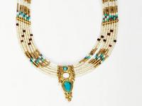 - Des colliers ethniques pas chers