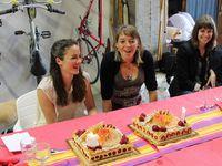 Et pour finir le traditionnel gâteau d'anniversaire. Bon anniversaire les filles !