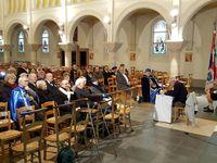 À cette occasion Mgr Höhner  s'installait dès les premières minutes à l'écoute de Gil Gambiez, le conférencier du jour.
