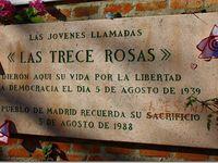 """Mari Carmen Cuesta, """"peque"""" - Placa en el cementerio de Madrid - Diez de las trece rosas"""