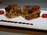 5 - Enfourner les moules pour 35 mn environ. Démouler et servir chaud dans de belles assiettes décorées