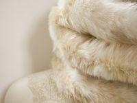 Col fourrure baige et blanc réversible