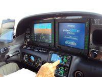 Départ avec un Cirrus SR22 en IFR (vol aux instruments) &#x3B; vision sur Paris..
